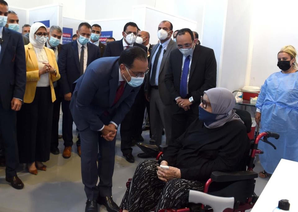 وزيرة الصحة: تطعيم 10 آلاف مواطن يومياً في مركز لقاحات كورونا الرئيسي