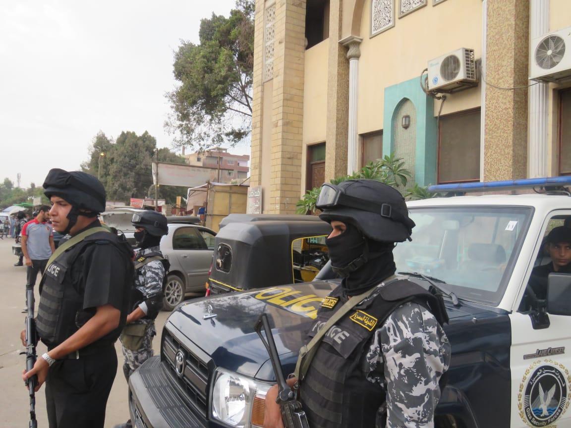 القبض على مدرس متهم باقتحام قسم شرطة وقتل المأمور