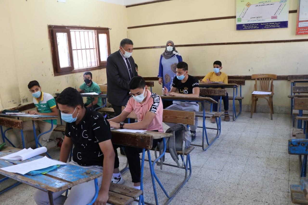 """أمهات مصر: الإجابة في """"البابل شيت"""" فقط قضت على قلق أولياء أمور الثانوية"""