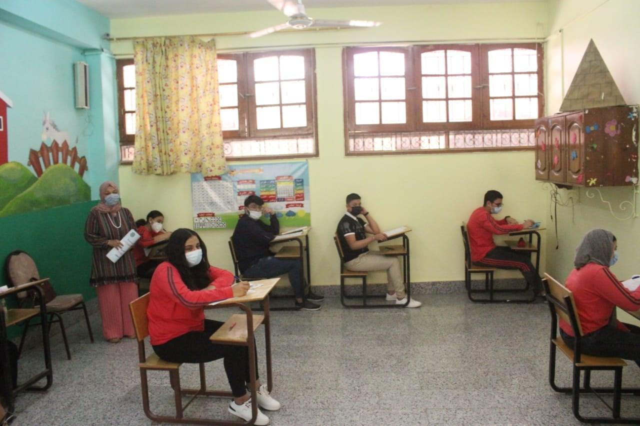شوقي: تحسين جذري على الخدمة التعليمية واهتمام استثنائي من السيسي بالتعليم الفني