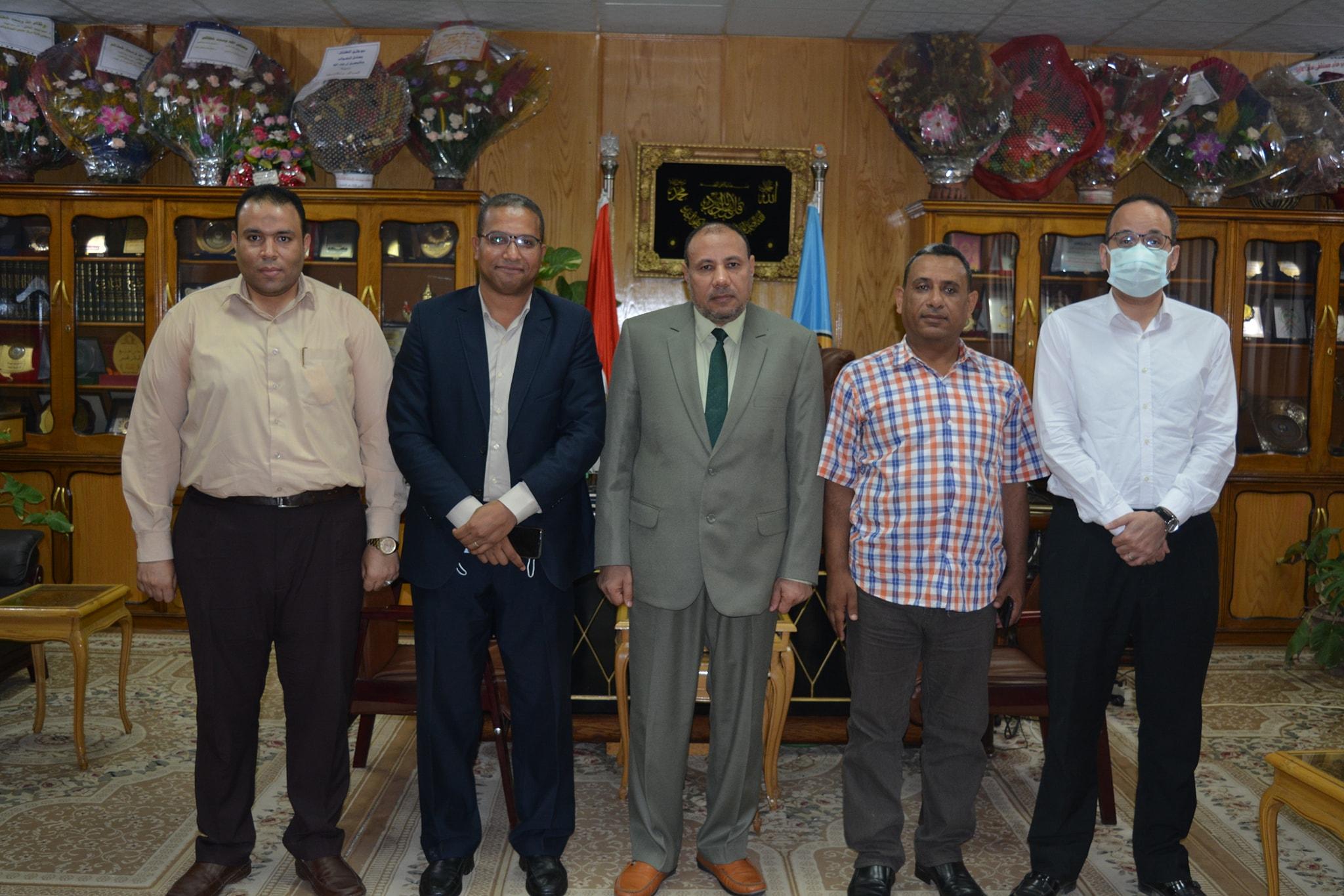 نائب رئيس جامعة الأزهر يلتقي مدير وحدة حقوق الإنسان بديوان عام محافظة أسيوط