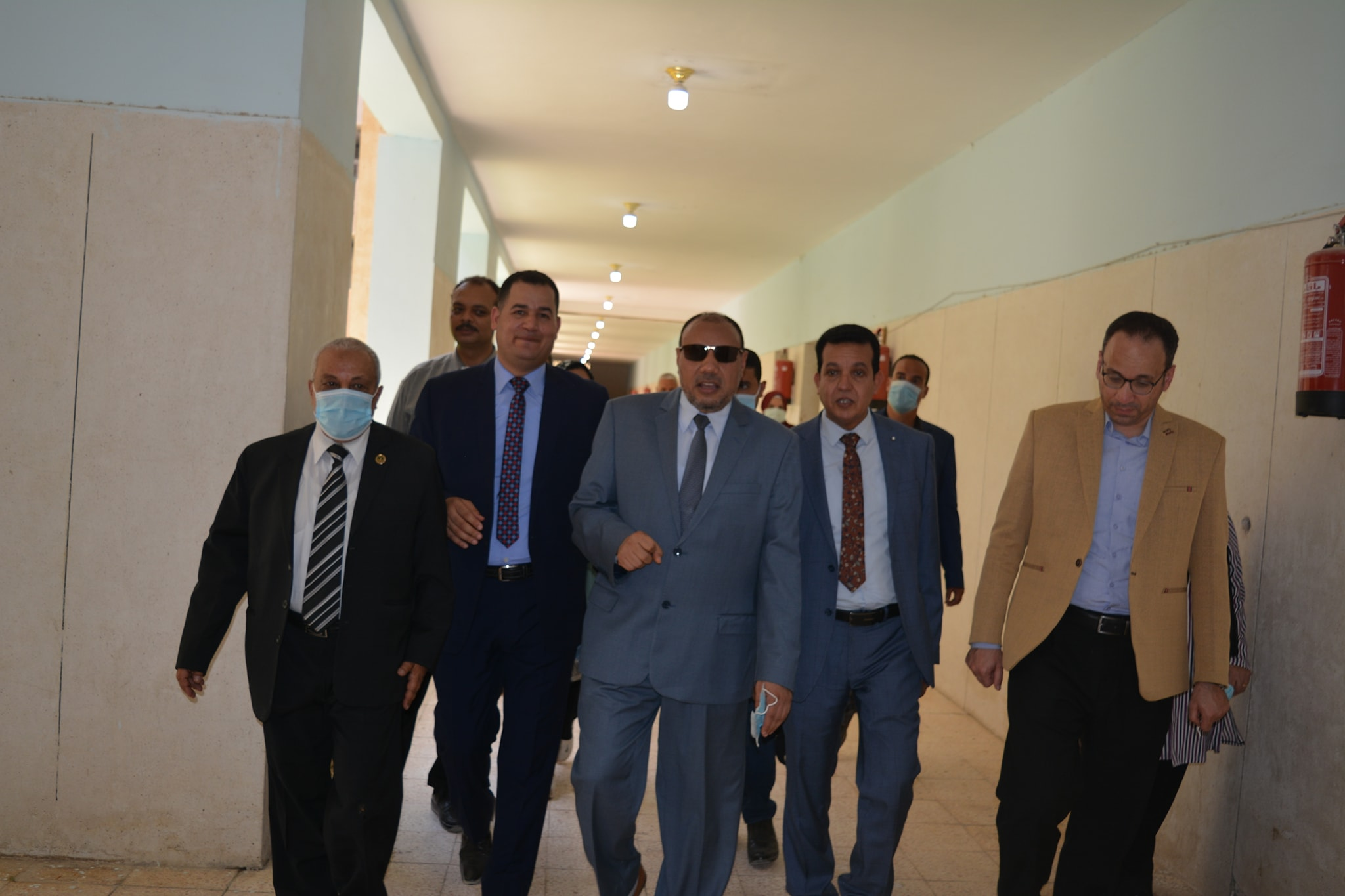 نائب رئيس جامعة الأزهر يتفقد إدارات العمل وبعض المنشآت بكلية البنات بالمنيا