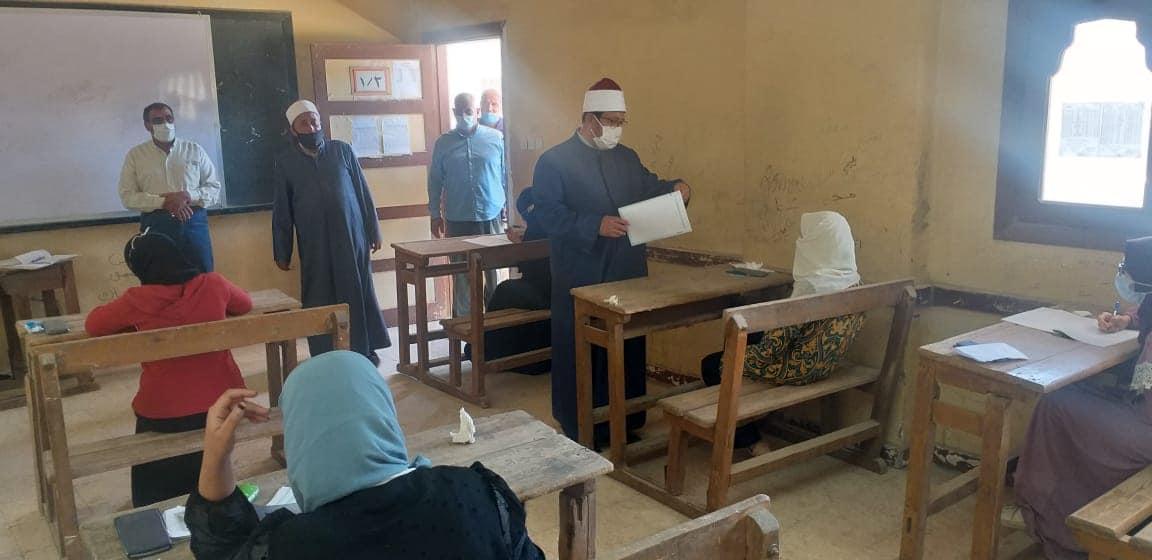 رئيس أزهر المنوفية يتفقد سير أعمال امتحانات الشهادة الثانوية الأزهرية