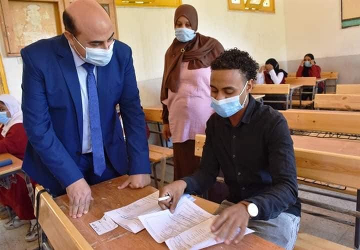 تاج الدين: التعليم تعاونت مع الصحة لحماية طلاب الثانوية خلال الامتحانات من كورونا