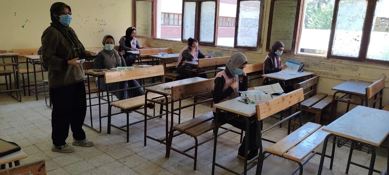 برلماني يشيد بقرار عمل كردون أمني حول لجان امتحانات الثانوية العامة