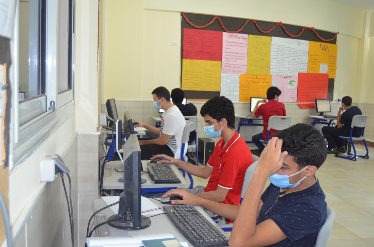 """طارق شوقي: سنمحافظ القليوبية يعتمد تنسيق القبول بالمدارس الثانوية الفنيةنفذ الـ"""" سوبر ماتشينج """" لطلبة الدبلومة الأمريكية"""