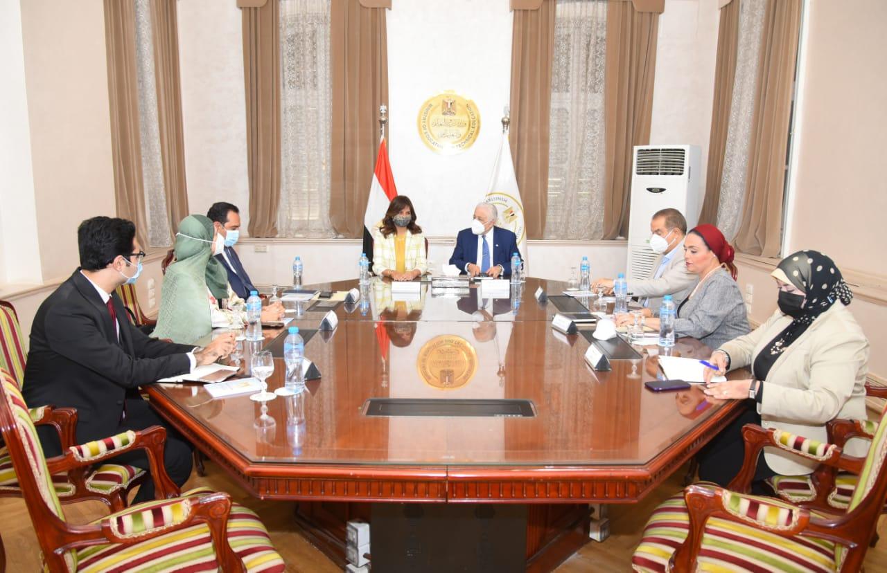 وزيرا التعليم والهجرة يبحثان إجراء امتحانات للطلبة المصريين غير القادرين العودة للكويت خلال الفترة الحالية