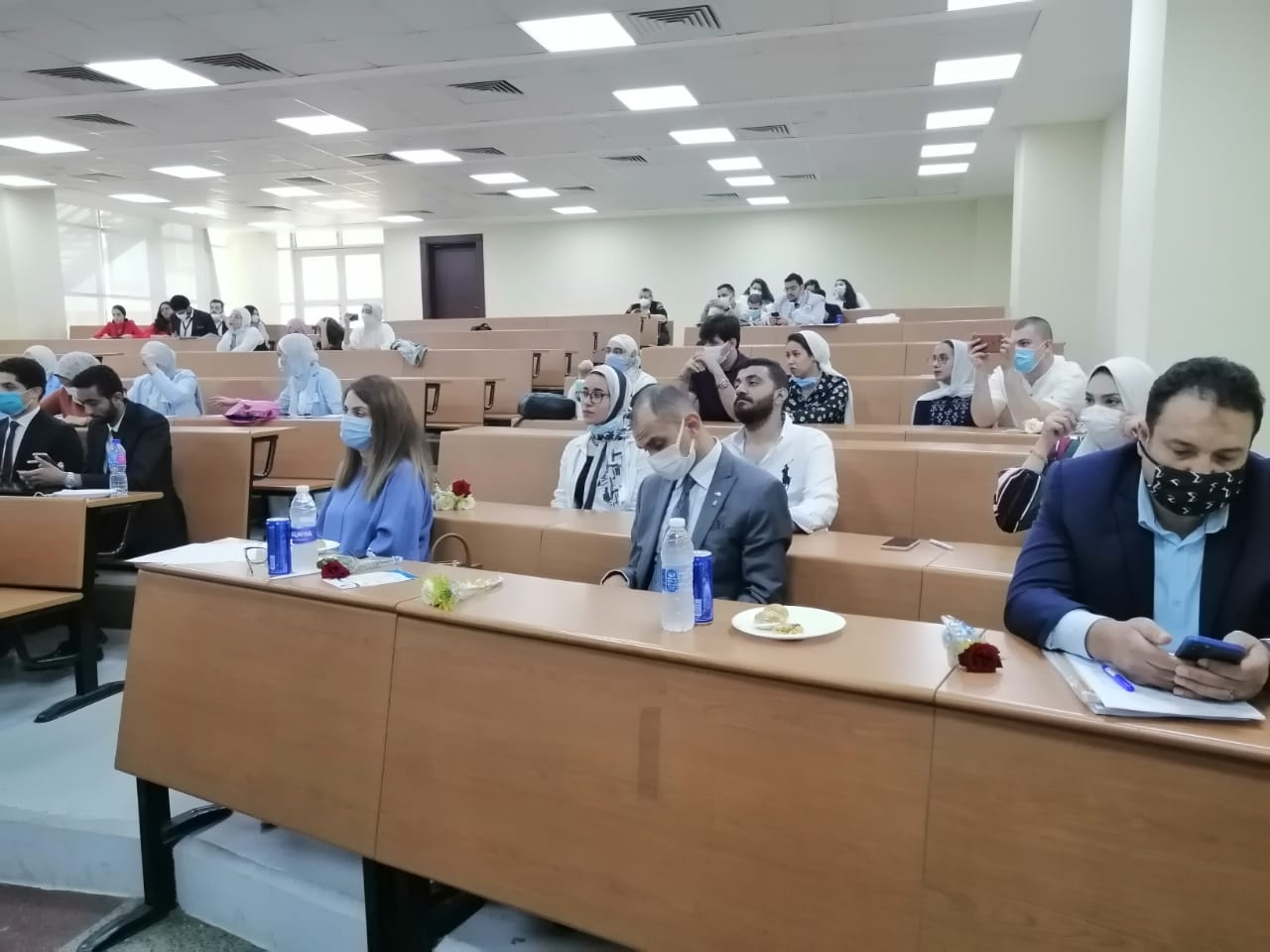 الجامعة المصرية الصينية تحتفل بمناقشة مشروعات تخرج أول دفعة من كلية الاقتصاد