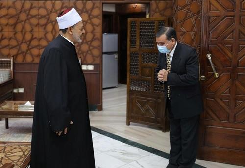 الإمام الأكبر: نولي اهتمامًا كبيرًا بأبنائنا الوافدين الدارسين في الأزهر
