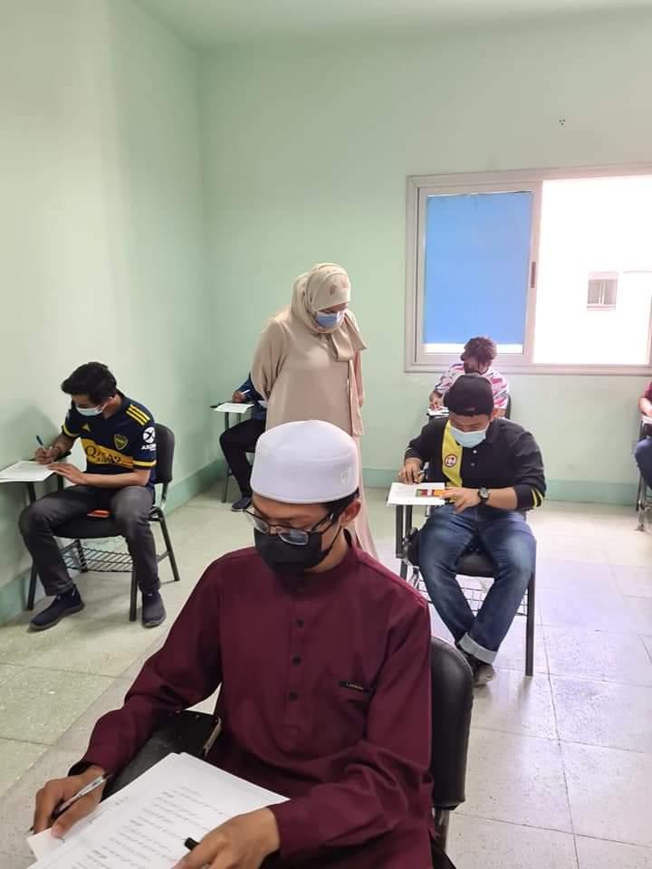عميدة العلوم الإسلامية تتابع سير أعمال الامتحانات واتباع الإجراءات الاحترازية