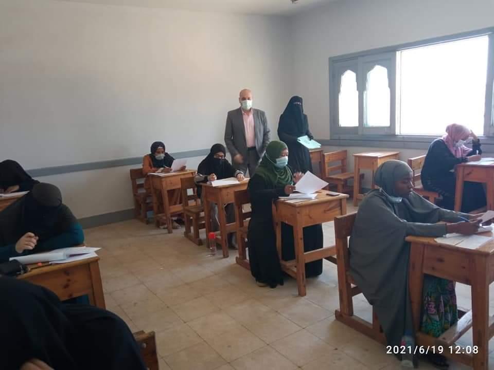 تطوير الوافدين يتابع أول أيام امتحانات الشهادة الثانوية لطلاب البعوث الإسلامية