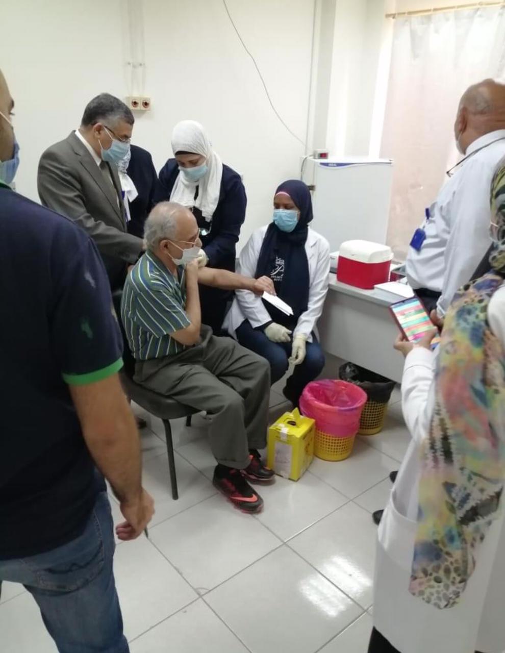 تطعيم العاملين بجامعة 6 أكتوبر باللقاح للوقاية من فيروس كورونا