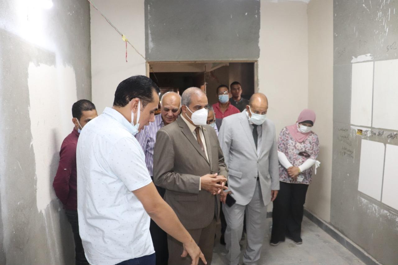 رئيس جامعة الأزهر يطالب بسرعة الانتهاء من أعمال الصيانة بالمدن الجامعية