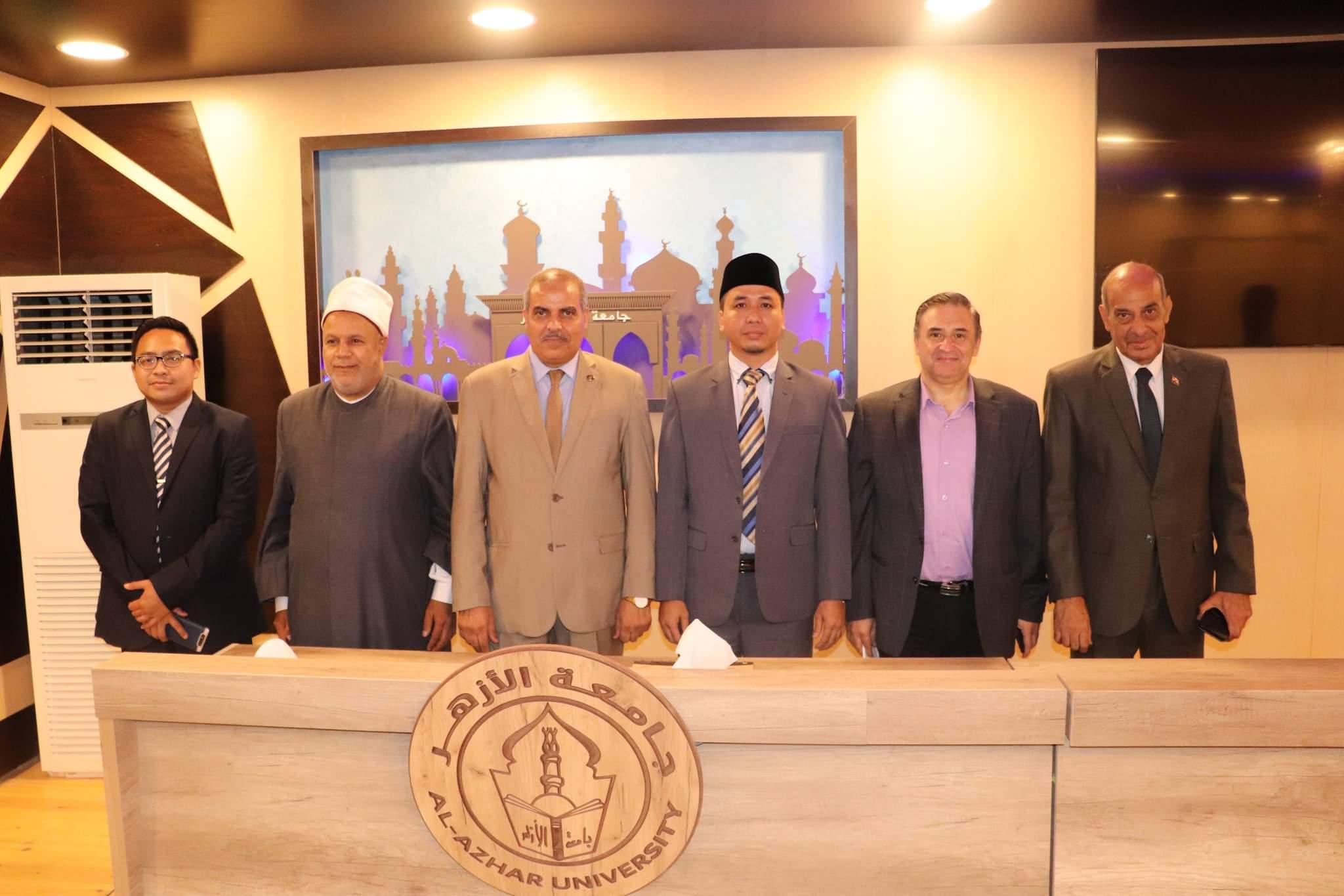رئيس جامعة الأزهر لوفد إندونيسيا: جائحة كورونا أكدت حاجة العالم أجمع إلى وثيقة الأخوة الإنسانية