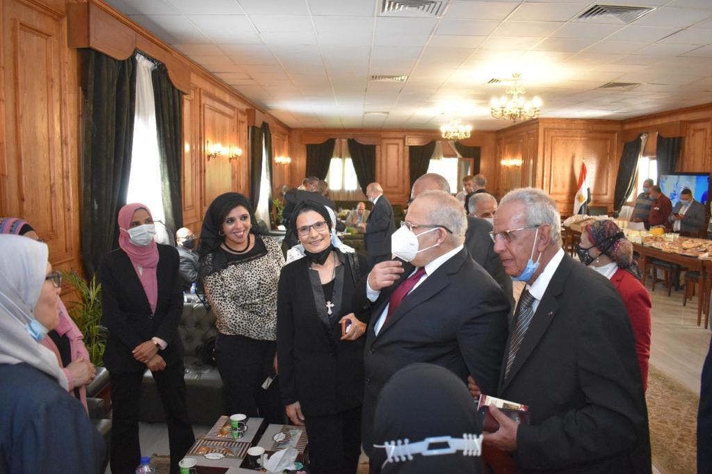 عميد زراعة القاهرة: حصلنا على 10 شهادات أيزو من المجلس الوطني للاعتماد (إيجاك)