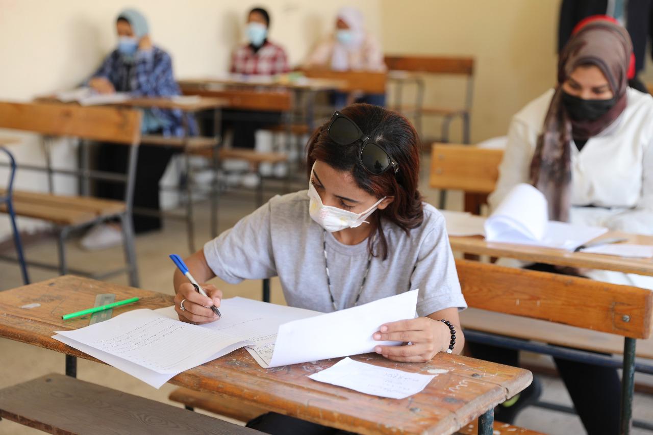 امتحانات الدبلومات 2021.. التحقيق مع طلاب تعدوا على الملاحظين