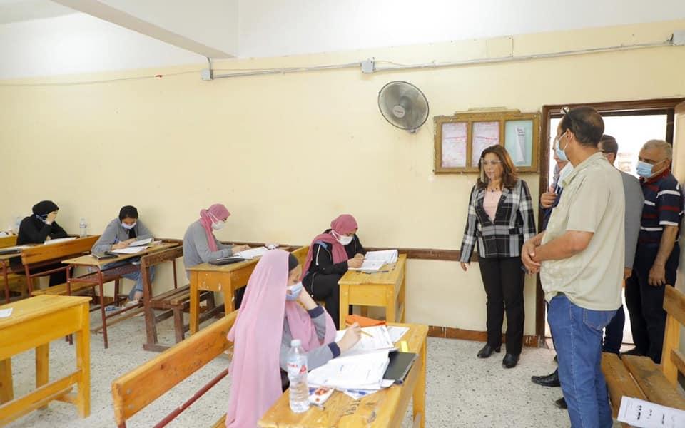 9 حالات غش و استبعاد رئيس لجنة و2 ملاحظين في امتحان الجبر والهندسة الفراغية