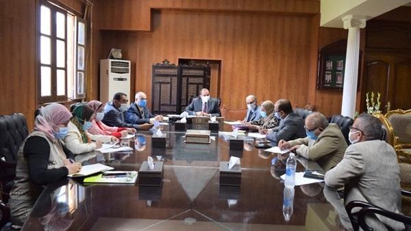 رئيس جامعة بني سويف يوجه بميكنة قطاع الدراسات العليا