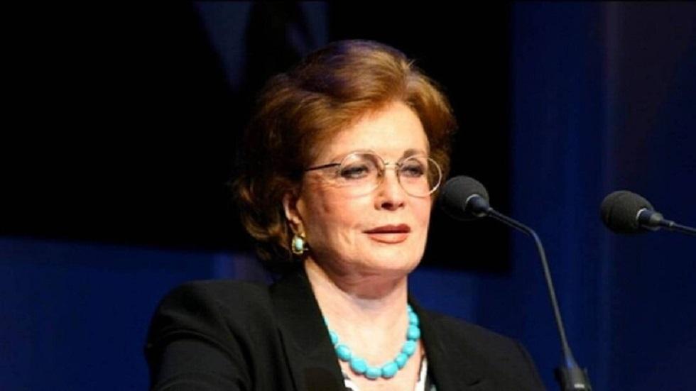 رئيس جامعة القاهرة ينعي السيدة جيهان السادات