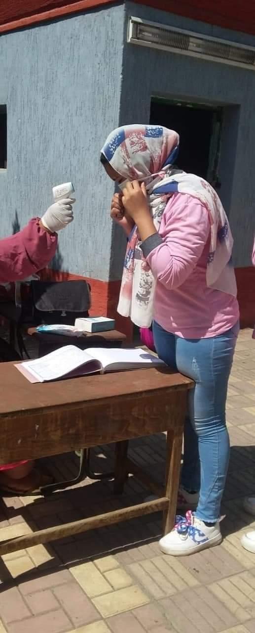 «التعليم»: ضبط الطلاب المسئولين عن تسريب امتحان اللغة الثانية
