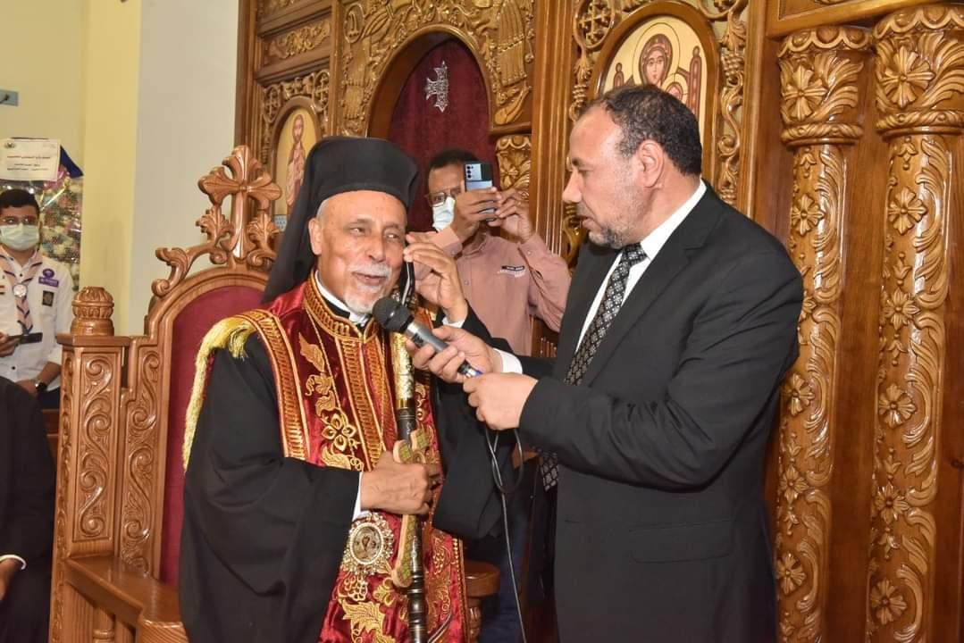 محافظ أسيوط ونائب رئيس جامعة الأزهر يشهدان حفل تدشين كنيسة القديسين بطرس وبولس للأقباط الكاثوليك