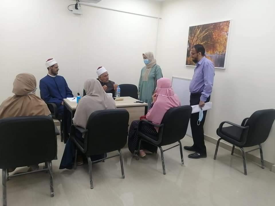 """""""تطوير الوافدين"""" يعقد المقابلات الشخصية لاختيار الأئمة والوعاظ للتدريس بمدرسة الإمام الطيب"""
