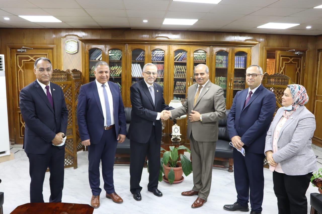 رئيس جامعة الأزهر يشيد بجهود الدكتور عادل علَّام في مجال أمراض القلب محليًّا وإقليميًّا ودوليًّا
