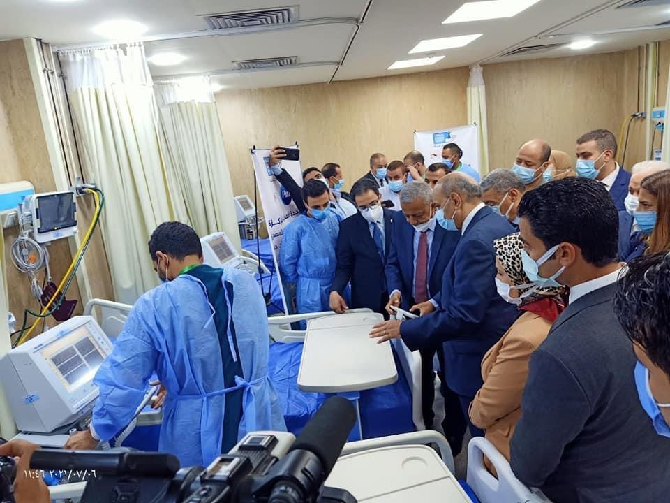 رئيس جامعة المنيا يفتتح وحدة العناية المركزة المجهزة من بنك الشفاء المصرى