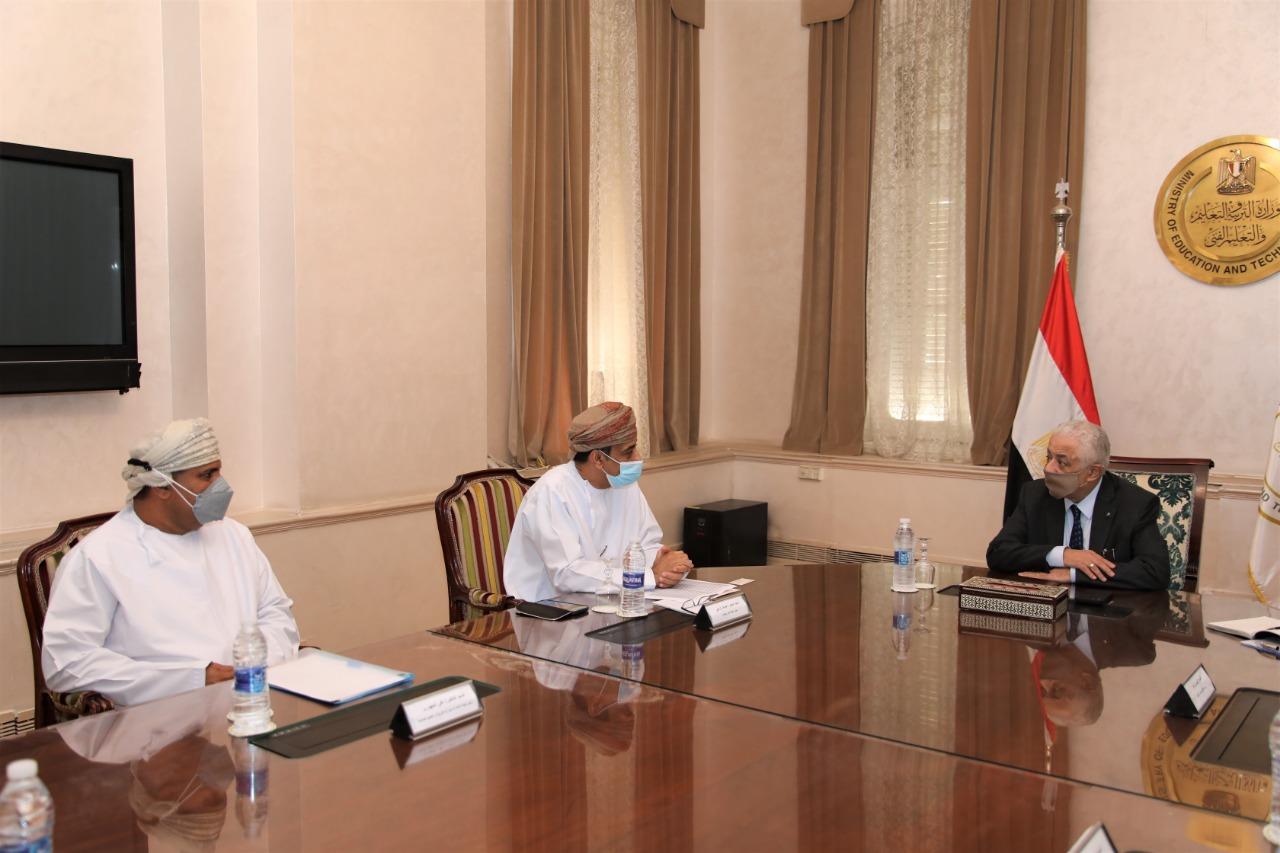 """""""شوقي"""" يبحث مع سفير سلطنة عُمان بالقاهرة سبل تعزيز التعاون المشترك فى مجال التعليم"""
