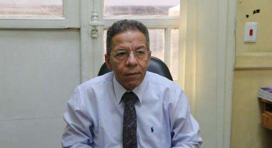 د اسامة عبد الحى أمين عام الأطباء