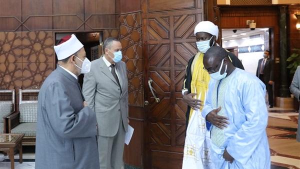 الإمام الأكبر: مستعدون لإنشاء معاهد أزهرية لنشر منهجنا الوسطي في السنغال