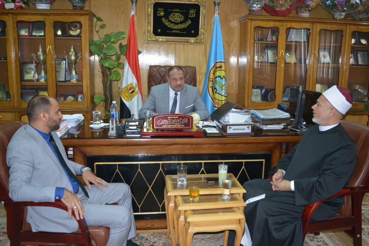 نائب رئيس جامعة الأزهر يستقبل عميد أصول الدين الجديد بحضور وكيل وزارة الأوقاف