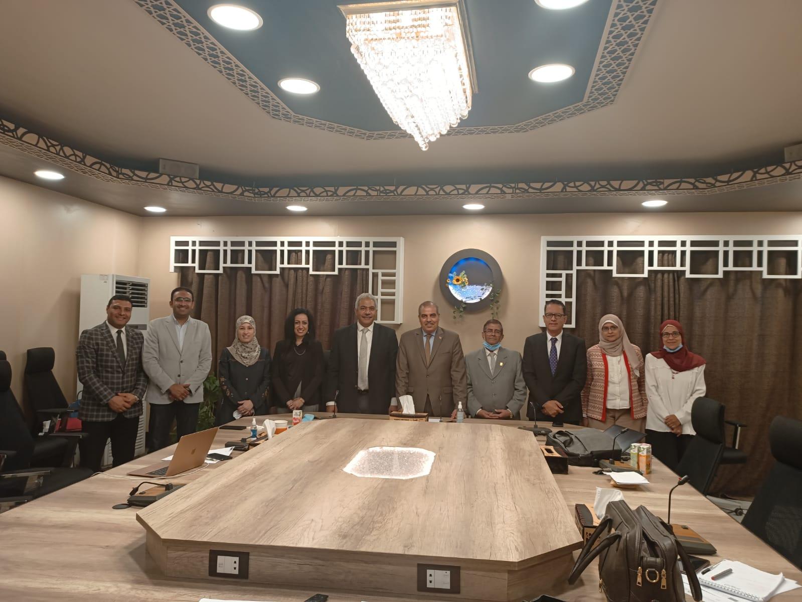اختيار أعضاء هيئة التدريس من الجامعات المصرية للانضمام للمشروع الدولي الخاص بالتغييرات المناعية بجامعة الأزهر