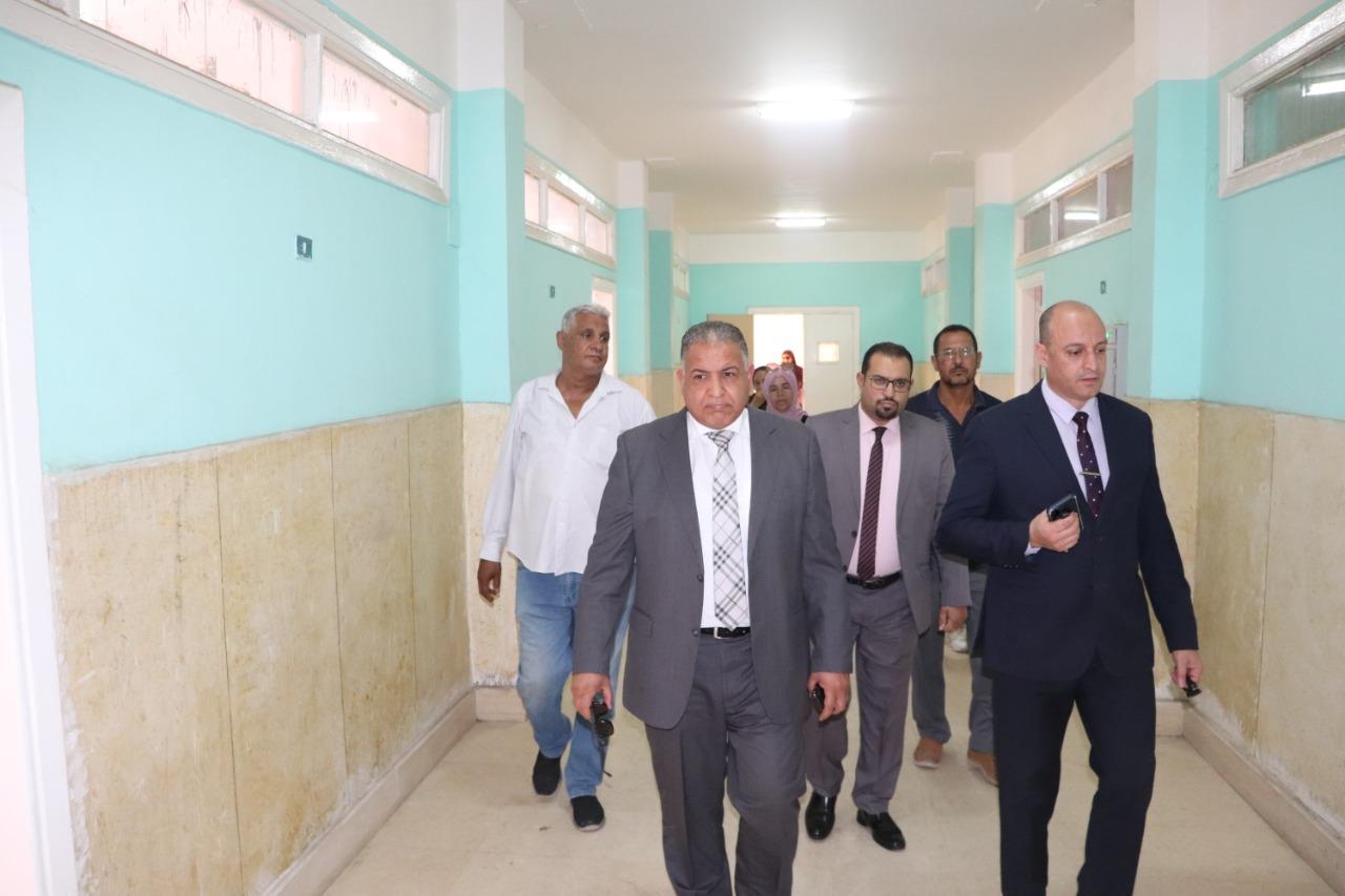 نائب رئيس جامعة الأزهر يتفقد المدينة الجامعية والإدارة الطبية للوقوف على جاهزيتهما لاختبار القدرات