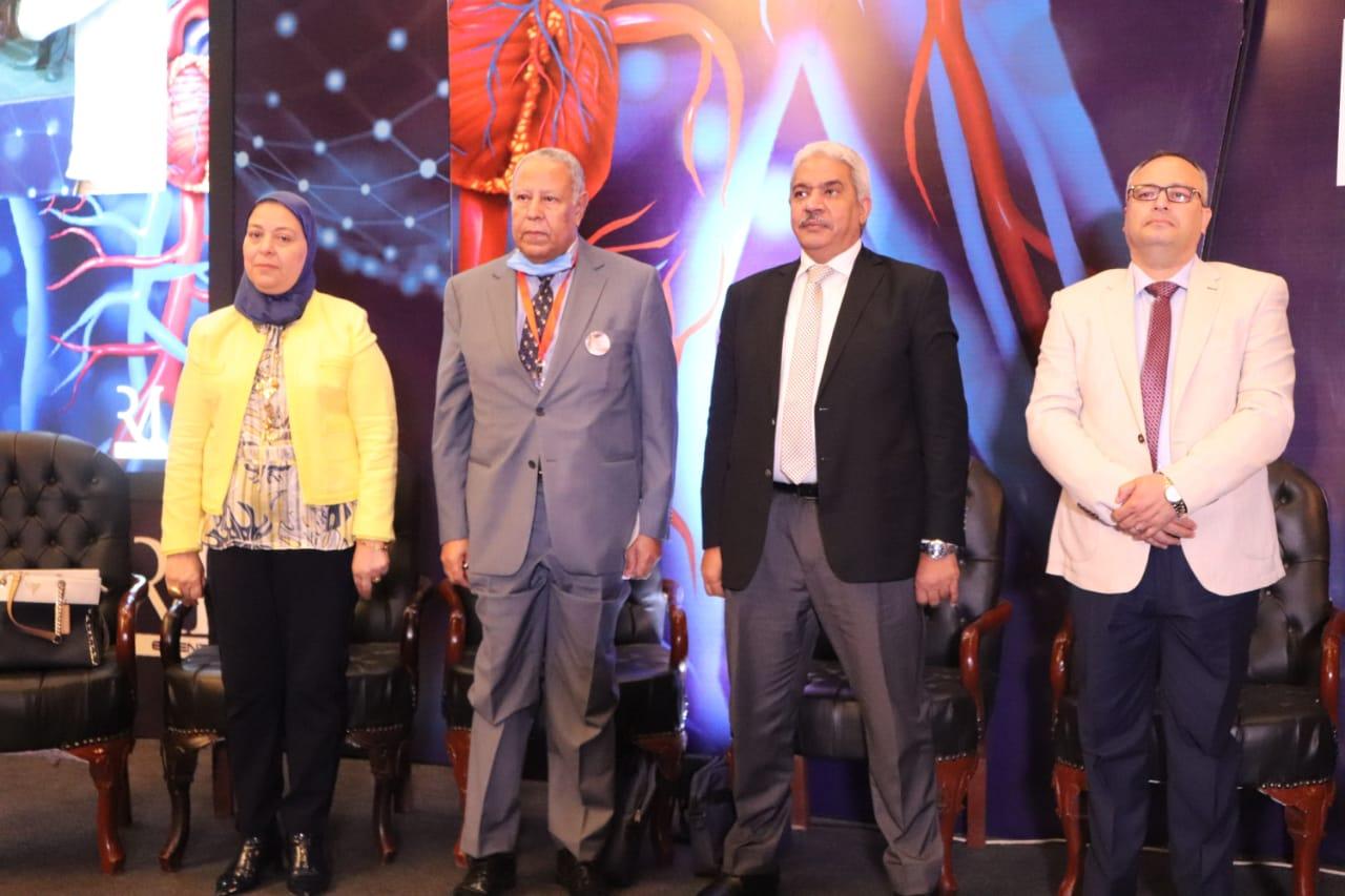 صديق يفتتح المؤتمر الدولي السادس لأقسام الأوعية الدموية بطب الأزهر بمشاركة 30 خبيرًا أجنبيًّا