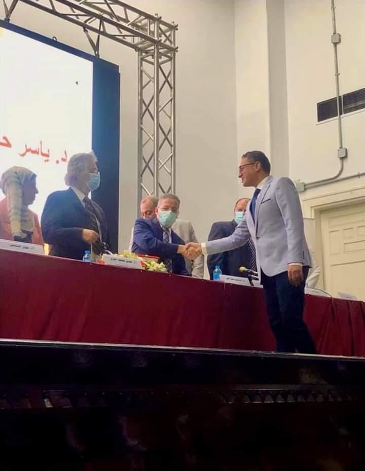 """نقابة أطباء مصر تكرم الدكتور ياسر حلمي """"طبيبًا مثاليًّا"""" على مستوى الجمهورية"""