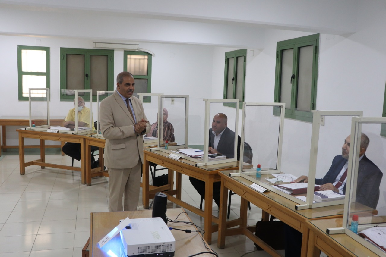 رئيس جامعة الأزهر يتابع الدورة التدريبية الثامنة حول التخطيط الإستراتيجي