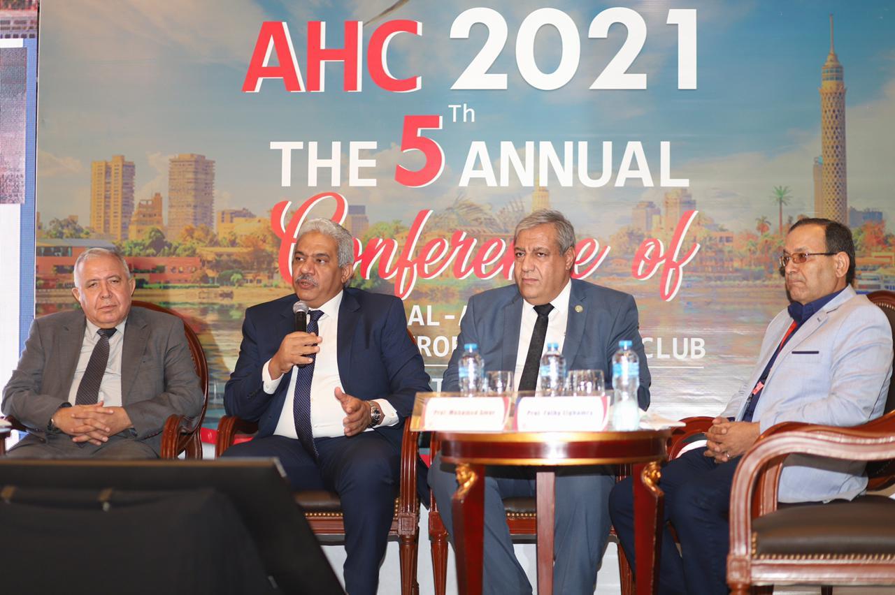نائب رئيس جامعة الأزهر يفتتح مؤتمر نادي الأزهر الدولي للجهاز الهضمي بمشاركة 28 خبيرًا أجنبيًّا