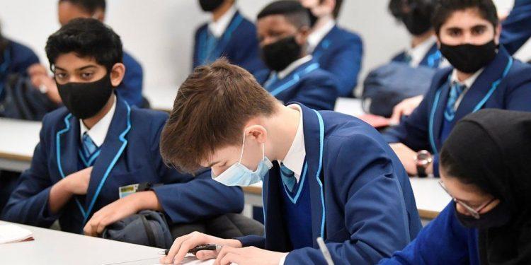 المملكة المتحدة تقرر عودة الدراسة في الجامعات